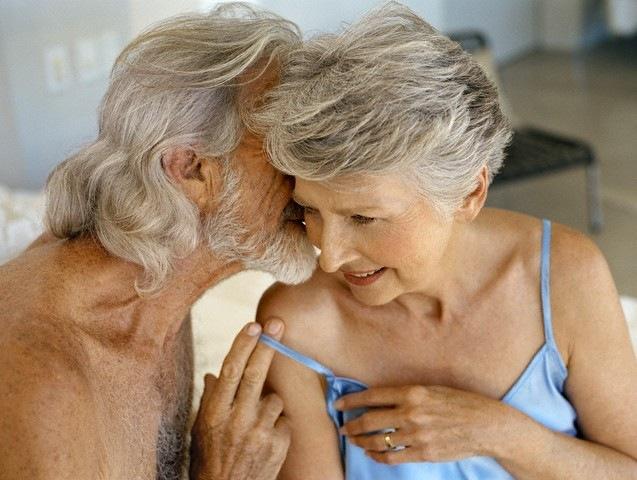 порно фото пожилых дам с молоденькими парнями