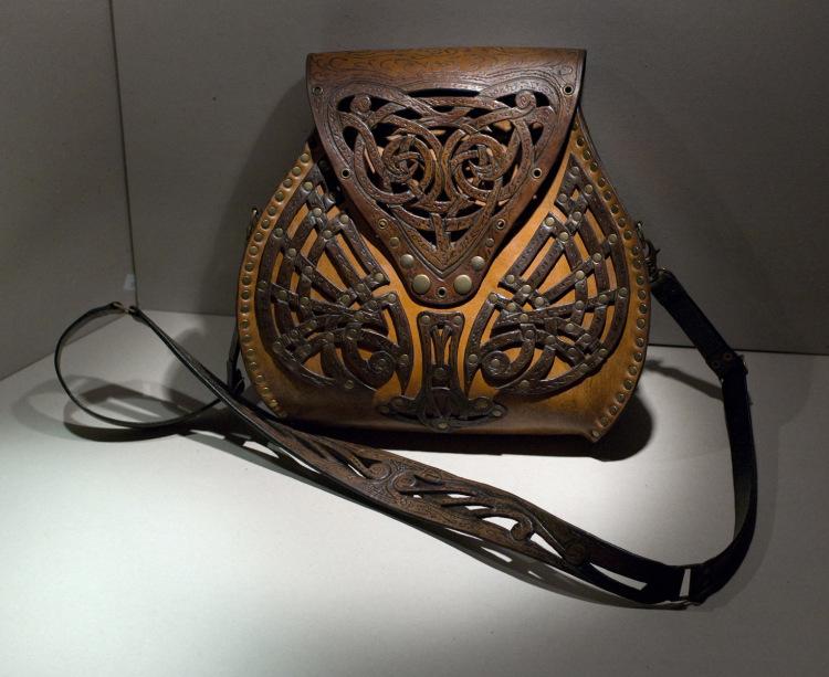 Изделия из кожи ручной работы уфа